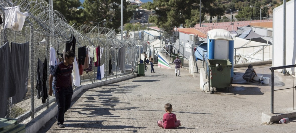 Overcrowding of refugee reception centres in Greece pose serious risk to children